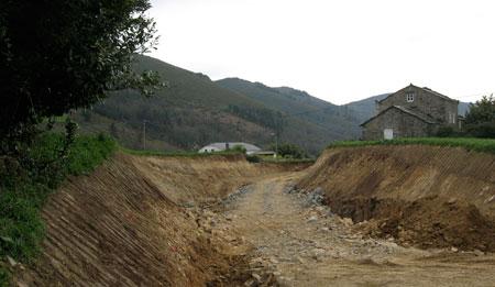 caja de la carretera que divide de forma traumática el pueblo de Rozadas