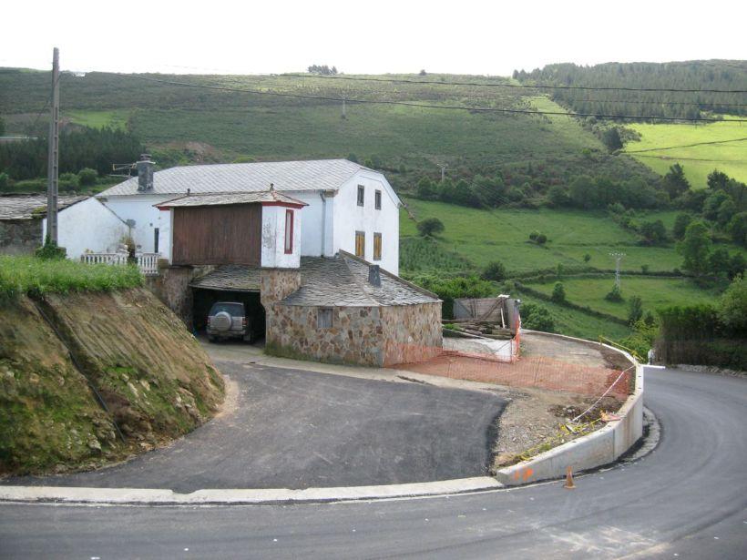 Casa de Benito en Rozadas sin tejos